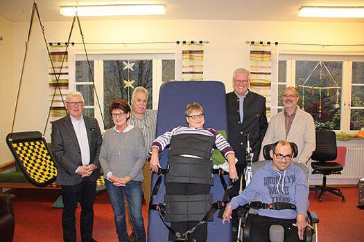 Rollstuhlfahrer können wieder stehen (November 2016)