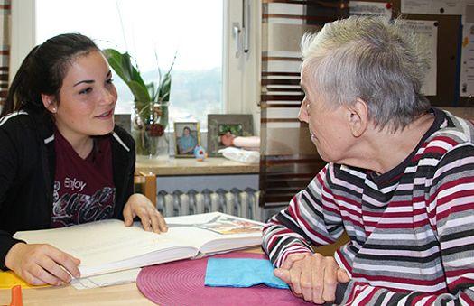 Beilngrieser Realschule zu Besuch bei Regens Wagner Holnstein (Dezember 2014)